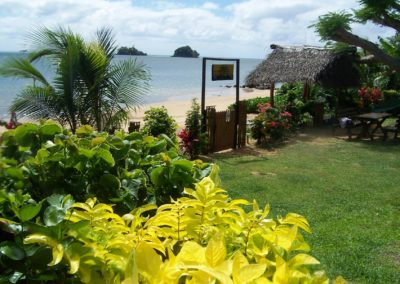 Banana Bure Coconut Grove Beachfront Bures Fiji (14)